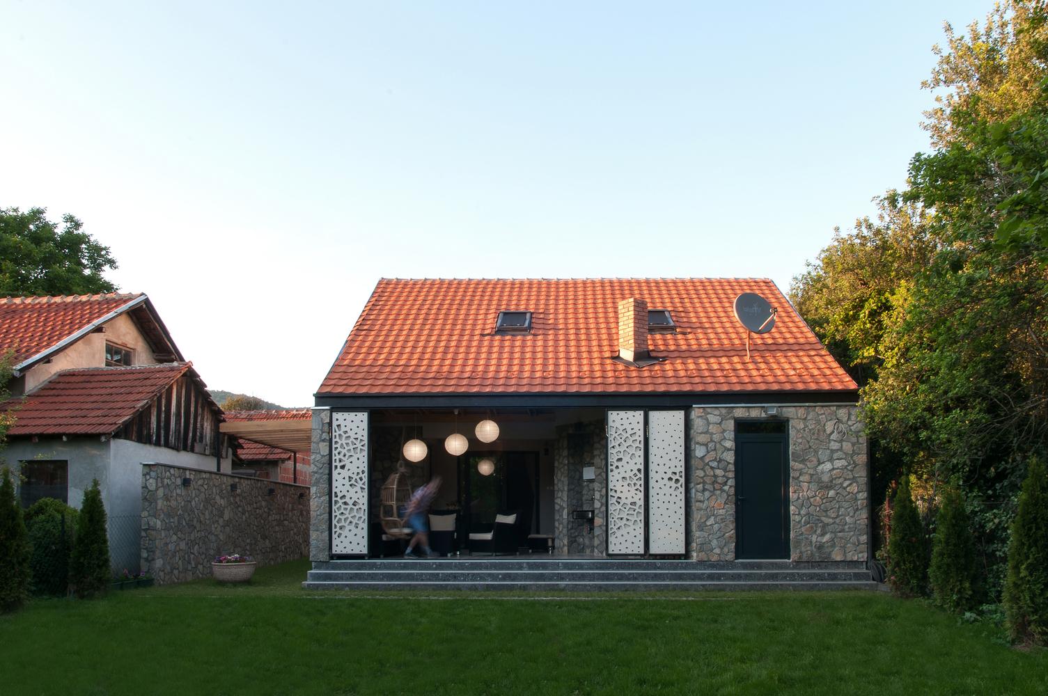Реновирана къща в с. Смиловци, Сърбия от Modelart Arhitekti